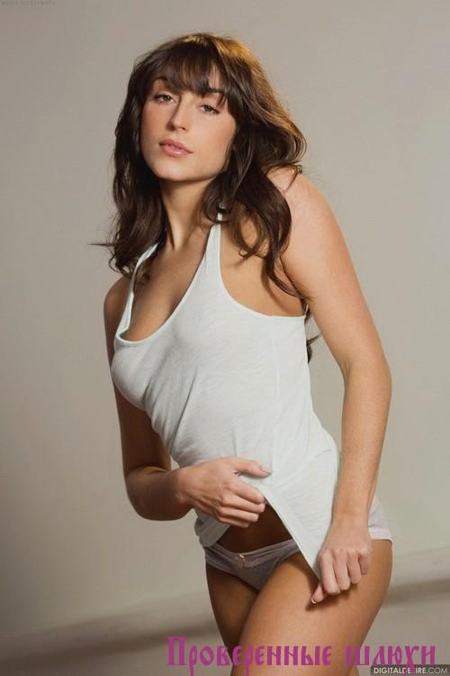 Барбара - мастурбация члена грудью